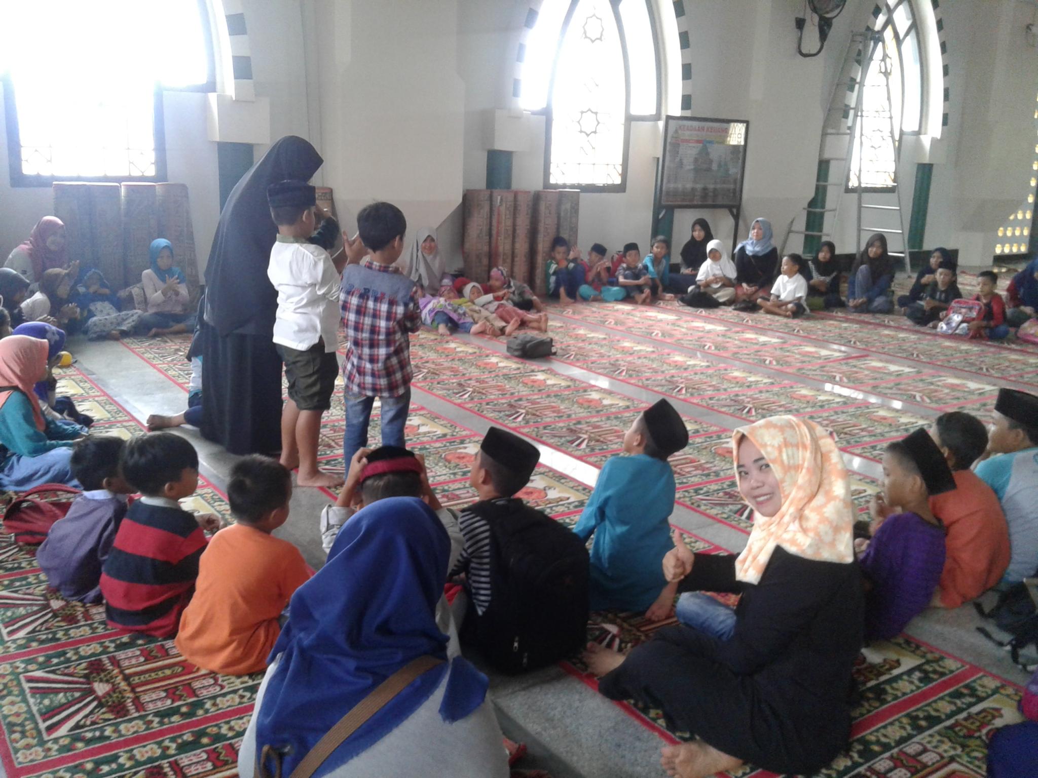 Berkaitan dengan masuknya masa liburan menyambut bulan Ramadhan Sahabat KITA Pinrang menggelar kegiatan di dengan mengangkat tema Roadshow Ramadhan Belajar